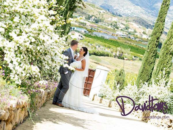 Bride & groom romantic wedding in Mijas