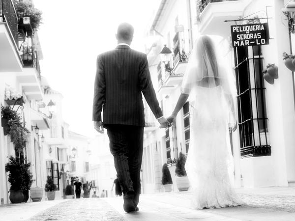 bride & groom in Mijas village
