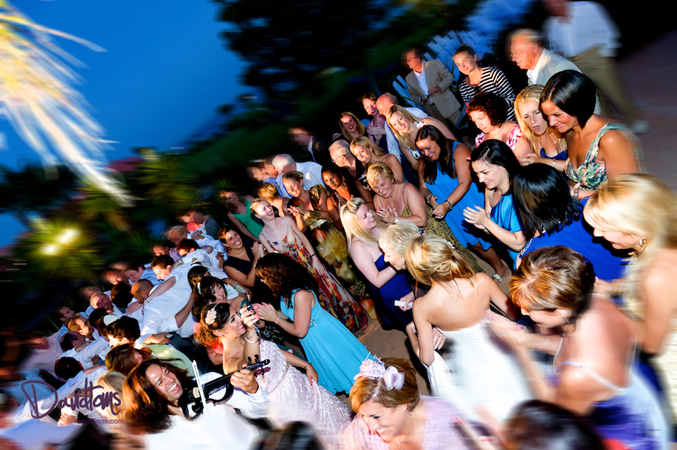 wedding party dancing outside in Estepona