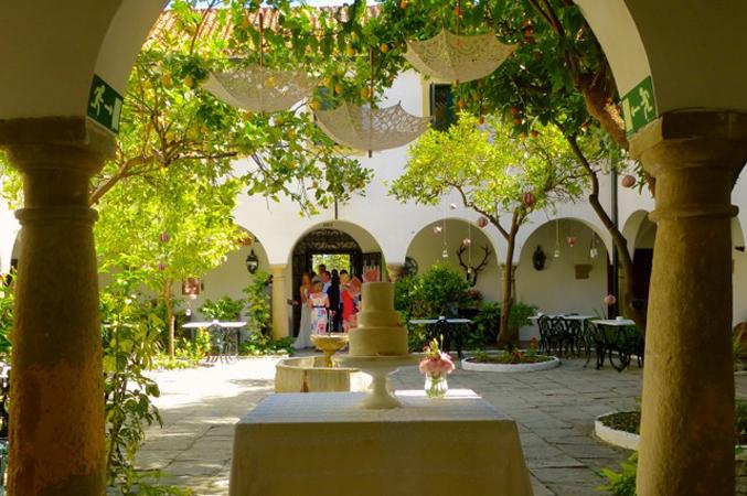 courtyard estate cadiz
