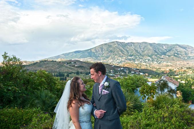 just married in Spain bride and groom