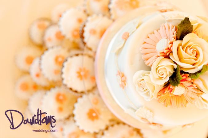 wedding-cake beach wedding in Mijas