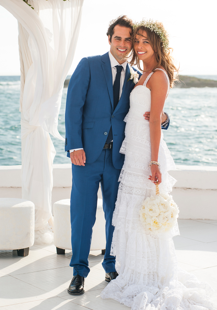 bride and groom getting married at sea view wedding venue in majorca