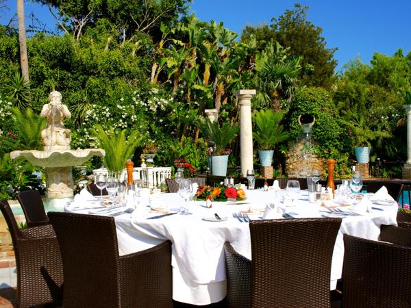 wedding table setting in Marbella Spain