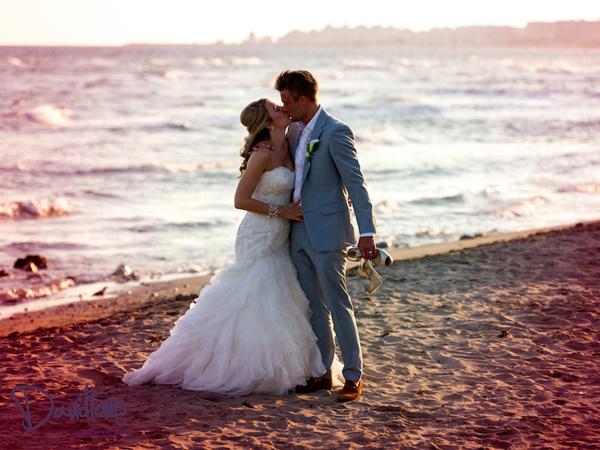 Essex-bride-and-groom-on-beach-in-Marbella