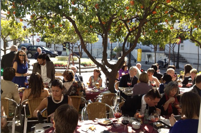 Guests-eating-tapas-near-church-wedding-venue-in-Spain