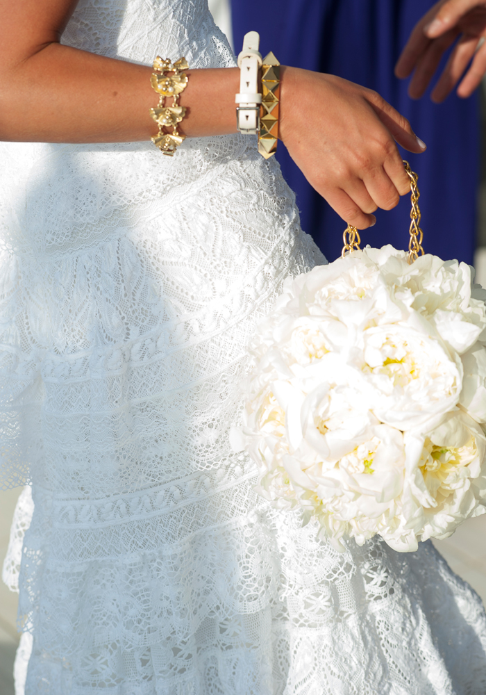 Bride chooses cotton fabric for her dress at wedding in Spain