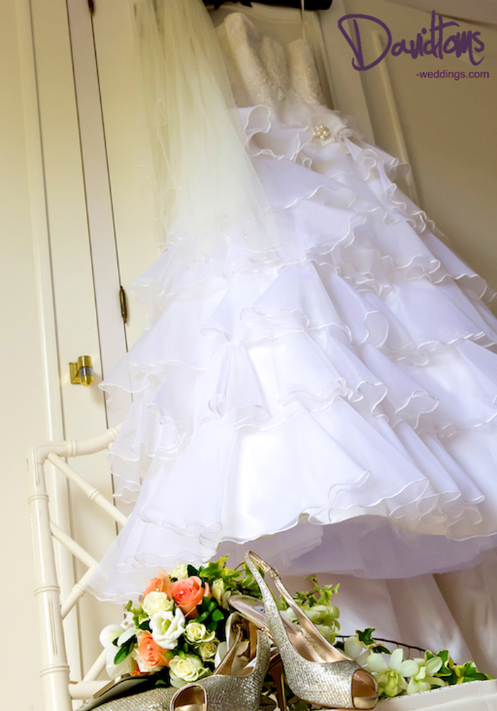 brides dream dress for her wedding in Spain