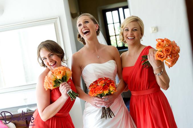 Bride chooses orange blossom for her wedding in Spain
