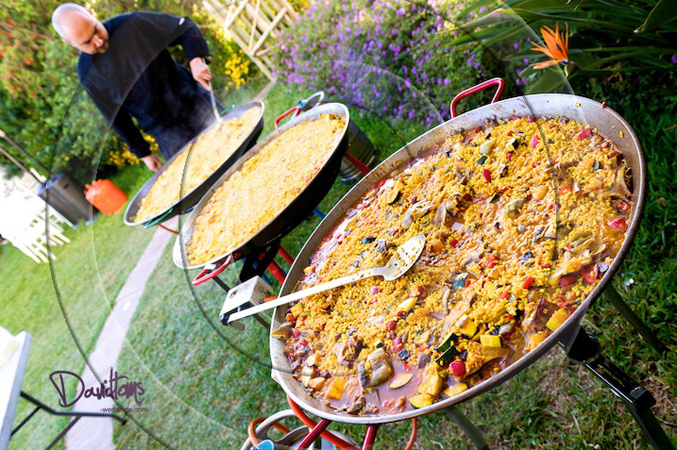 paella catering at your wedding in Spain