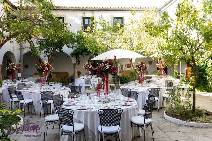 Stylish-wedding-banquet-in-Spain