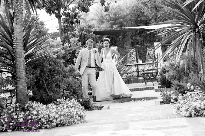 bridal-couple-getting-married-in-Spain