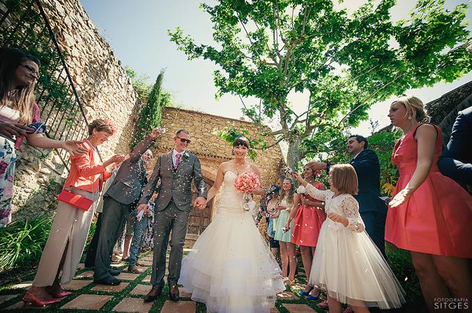 Bridea-&-groom-married-at-their-wedding-in-Barcelona