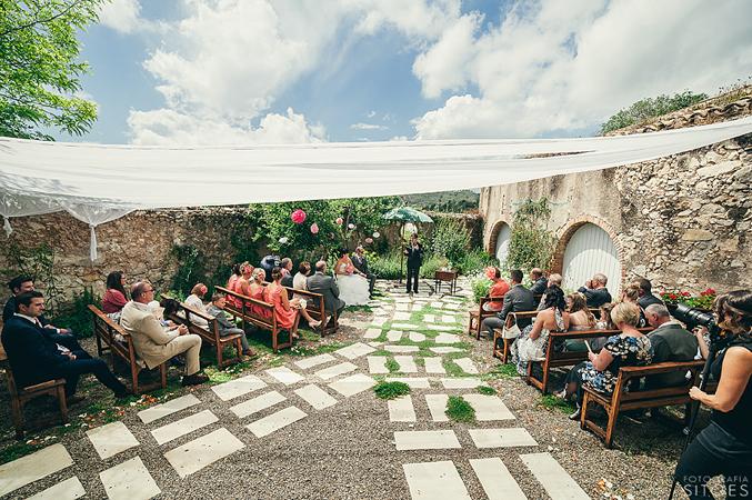 Ceremony-at-wedding-in-Barcelona