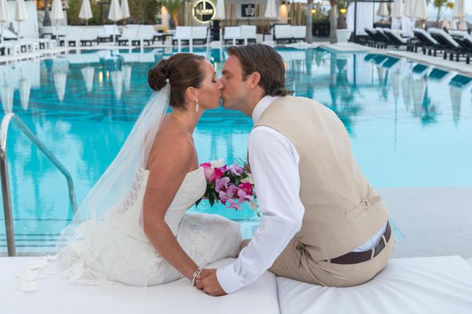bride-&-groom-just-married-in-a-beach-club-wedding-venue-in-Spain