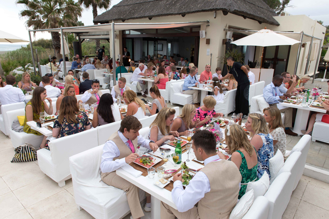 guests-at-beach-club-wedding-in-Estepona,-Spain
