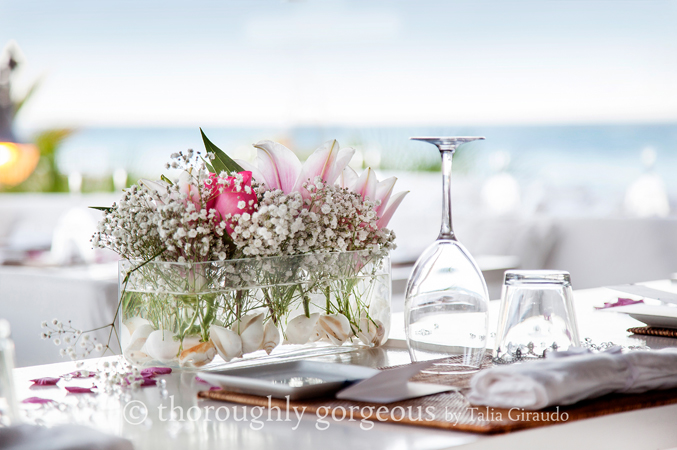 Table-arrangemetns-at-a-wedding-in-Spain