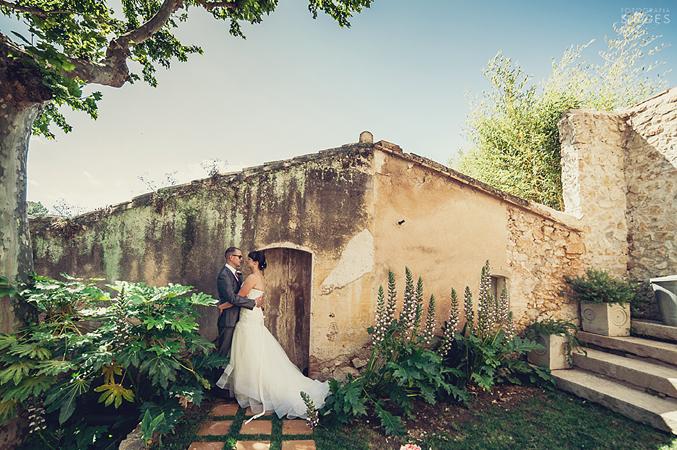 bride-&-groom-getting-married-in-Barcelona