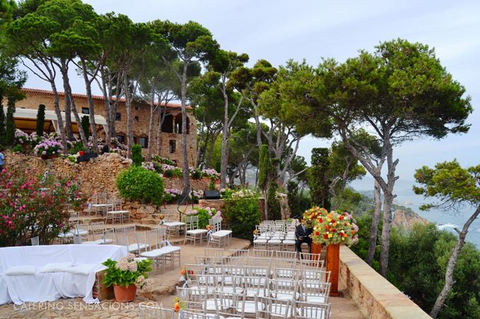 ceremony-at-rustic-sea-veiw-wedding-venue-in-Barcelona