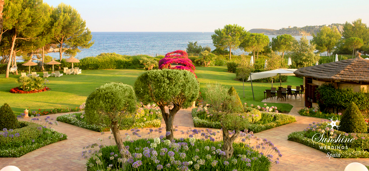 Sea-view wedding hotel Spain