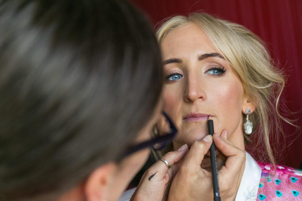 Nicola Cuddy expertly applying beautiful bridal make-up