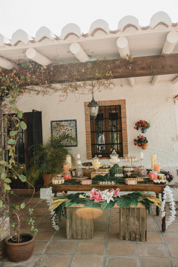 Rustic decor at El Molino