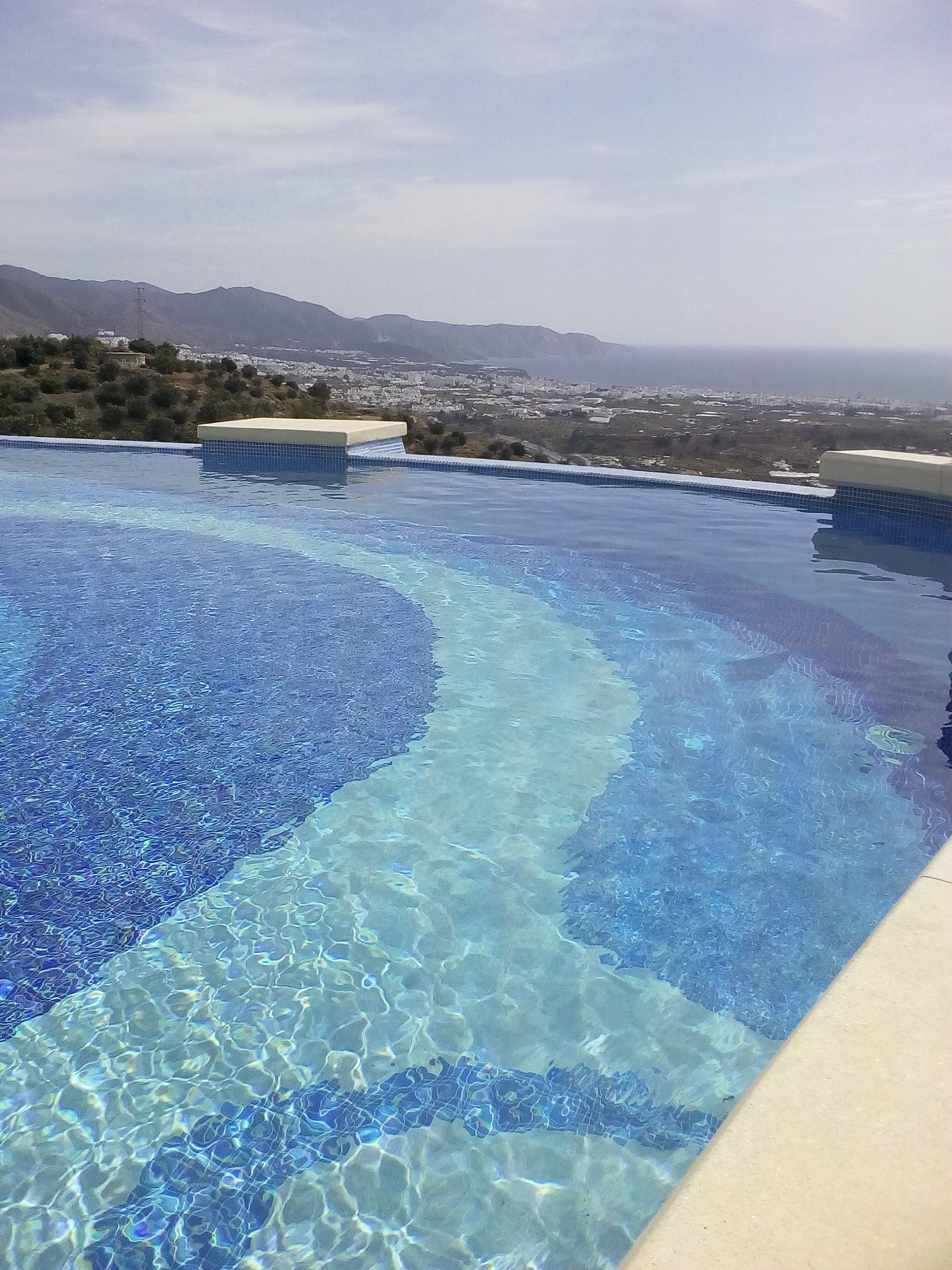 Infinity pool and vista of the Costa del Sol