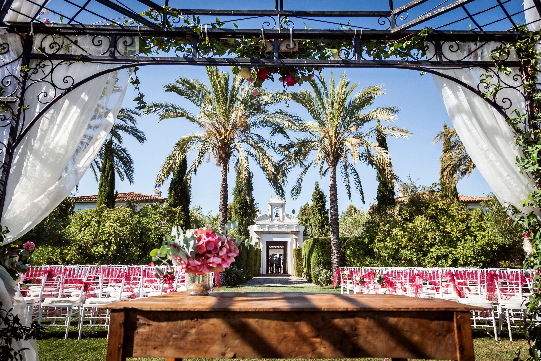 The ceremony set up in the luscious Finca gardens - Talia Giraudo, Thoroughly Gorgeous