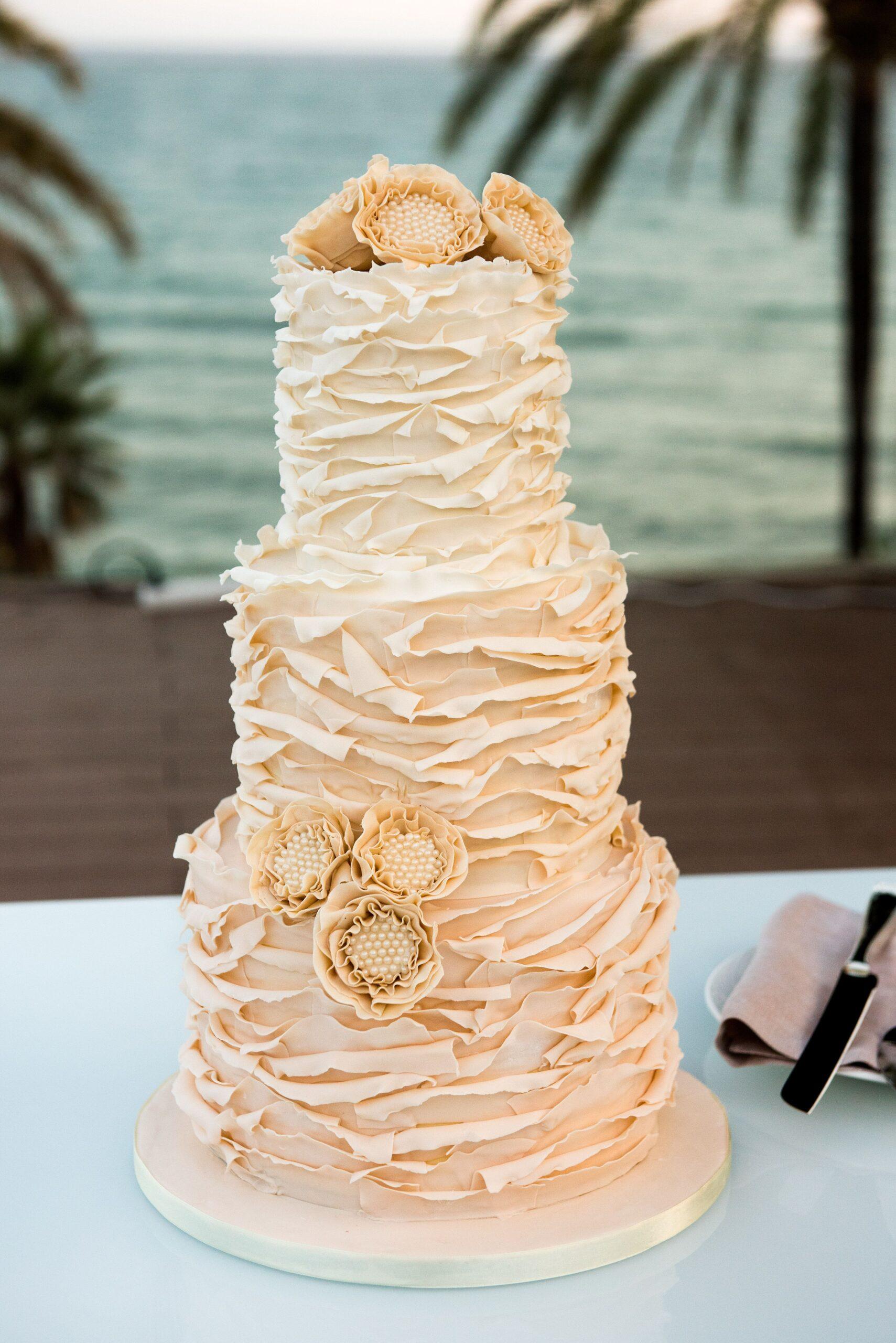 The beautiful wedding cake