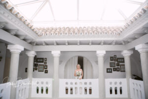 The bride inside the colonial style Cortijo