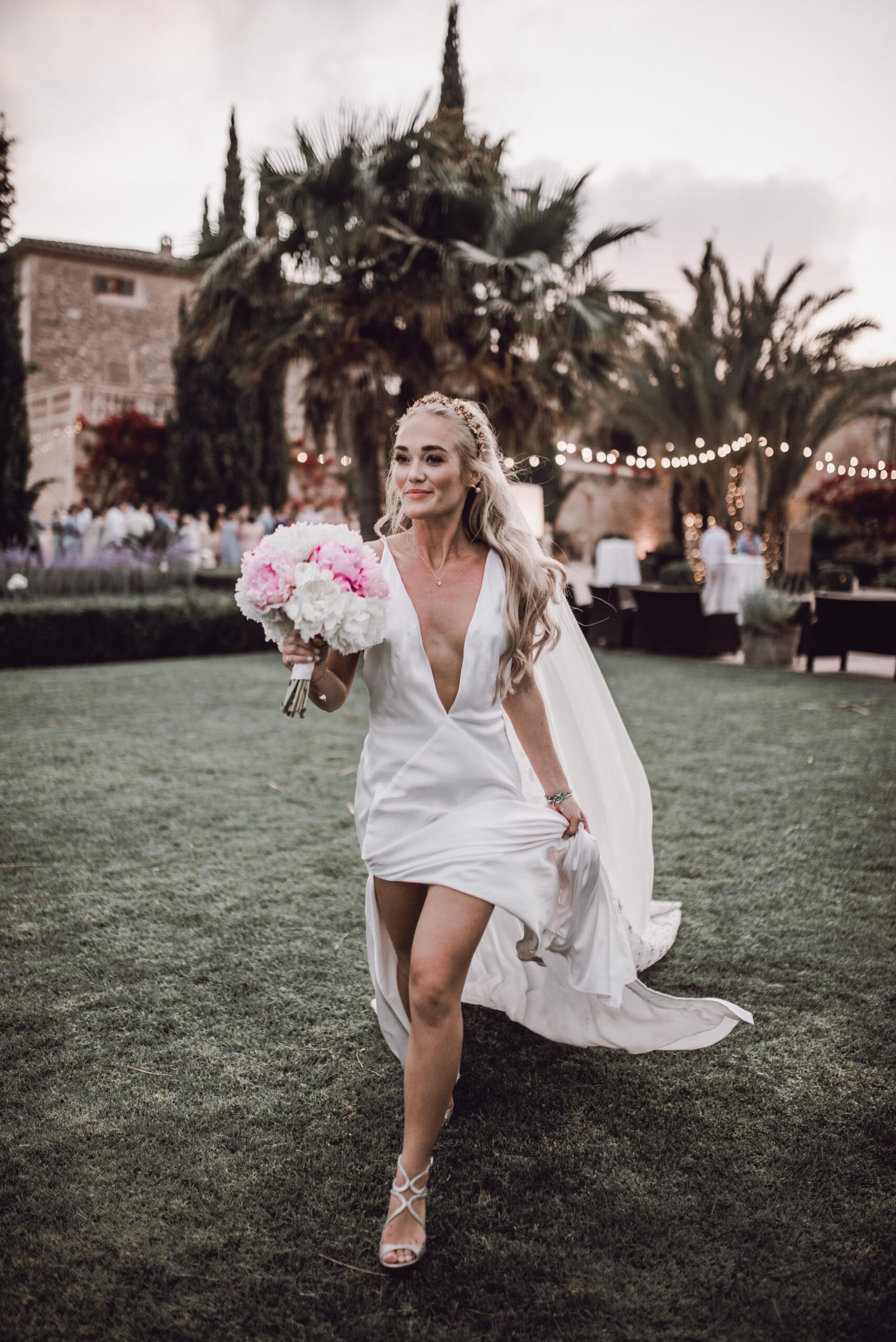 The stunning bride - Rebecca Jackson Photography