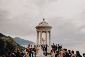 Wedding ceremony with a panoramic view of the sea - Roger Castellvi