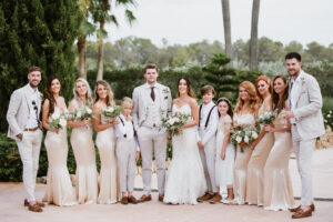 The bride and groom, their bridesmaids, best man and ushers - Aimee K Photography