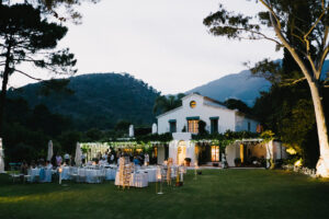 The Villa illuminated at dusk - Pedro Bellini Photography
