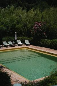 The Villa's stylish pool - Pedro Bellini Photography