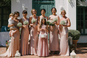 The bridal party at the front of the property - Pedro Bellini Photography