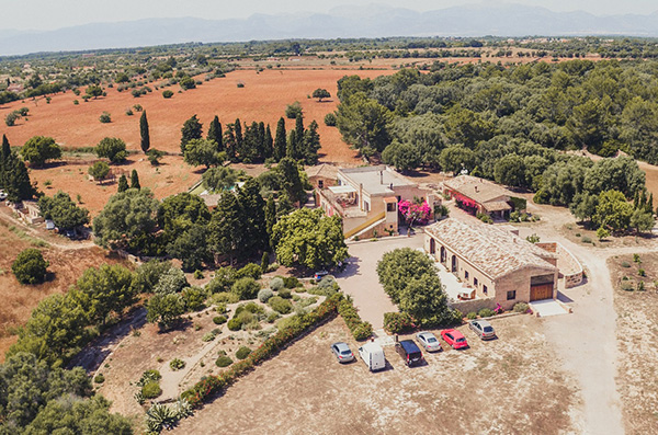 This private wedding venue in Spain proffers corners full of charm wrapped in rustic touches.