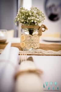 Rustic table decor - Photography by Your Wedding Moments
