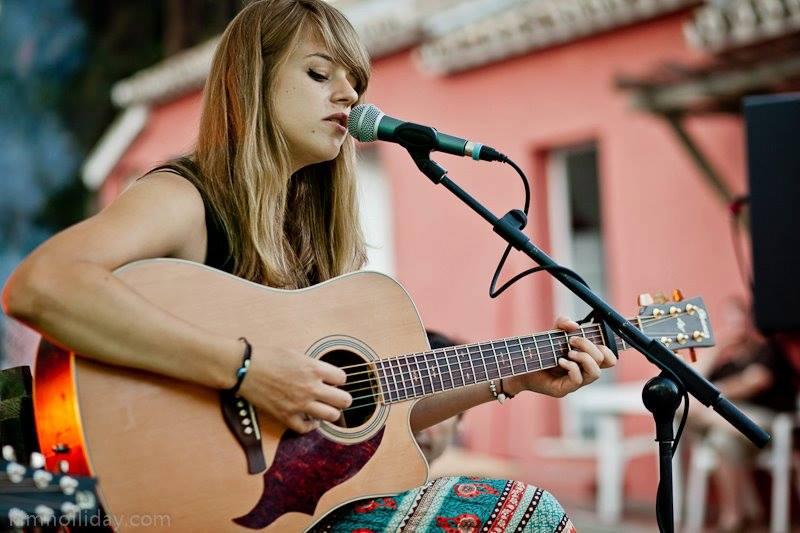 Alice, guitarist