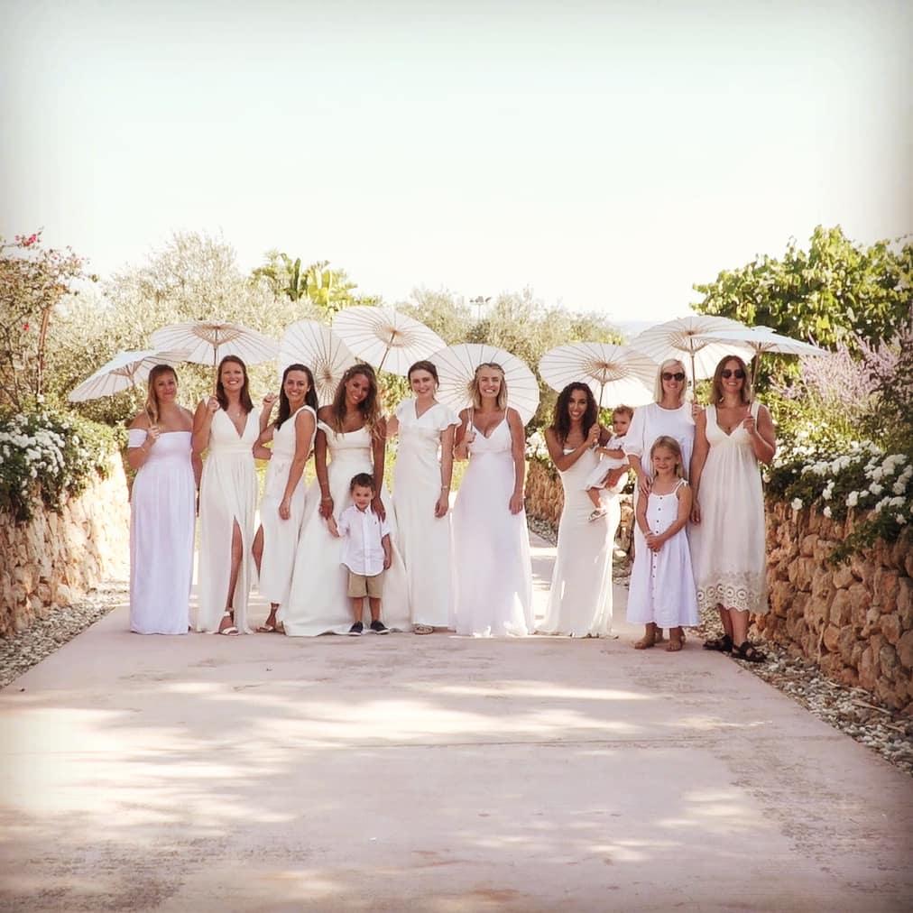 The bride and her bridesmaids, Lluís, wedding videographer