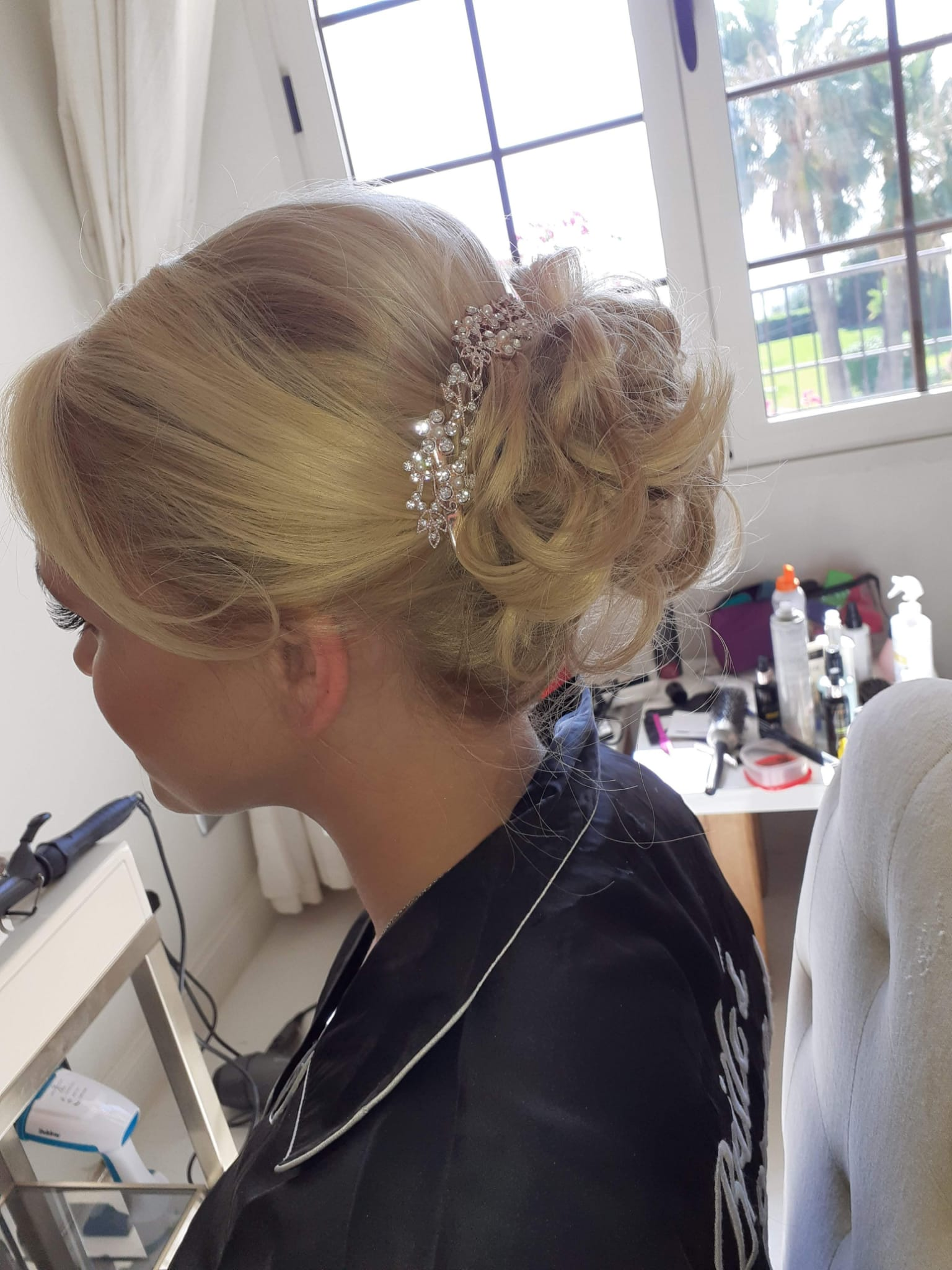 Georgie Pitts, wedding hair stylist expert in Spain