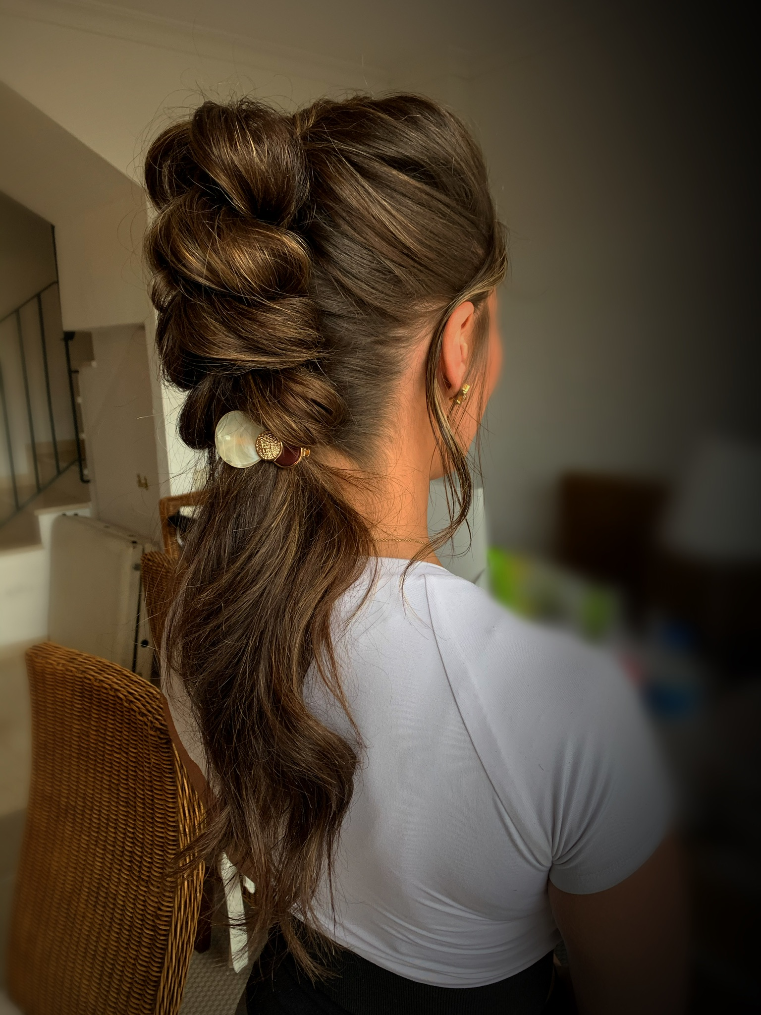 Flavia, hairstylist