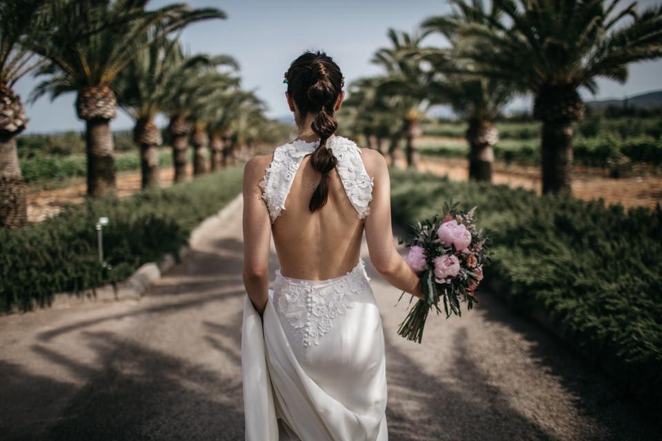Bridal hair & makeup by Laura Gisbert.