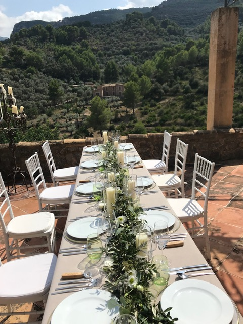Joanna, wedding florist Mallorca