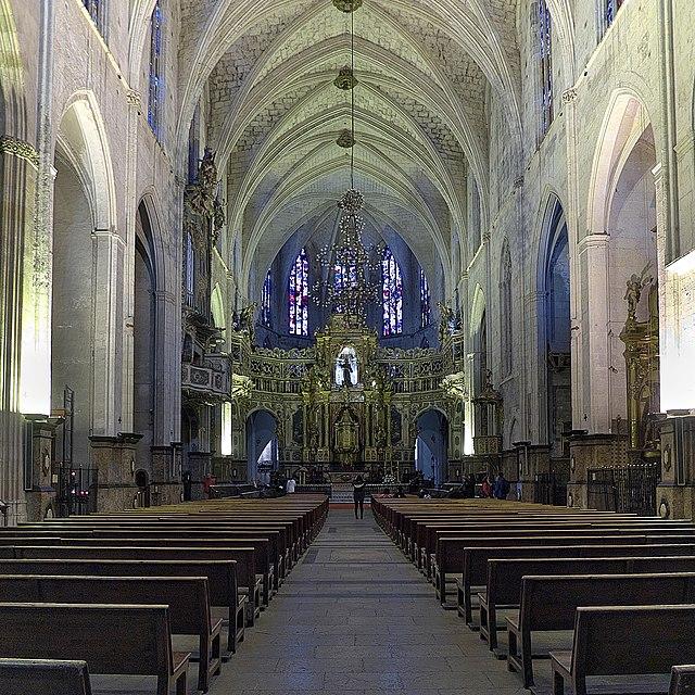 Church wedding: Stunning Sant Francesc church, a hidden gem in Palma old town.