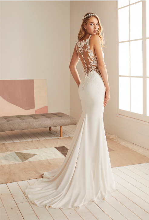 Bridal outlet in Spain   Dream bridal gowns for your destination wedding