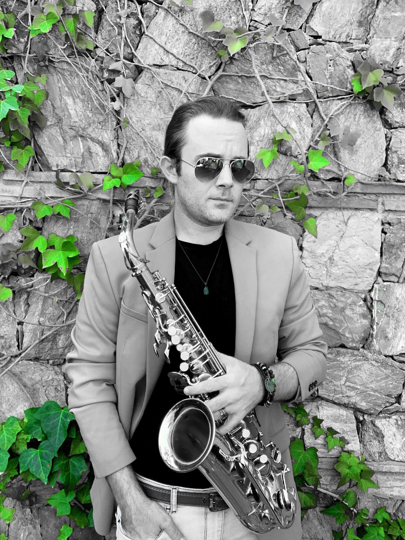 Joey the Sax, wedding musician in Spain.